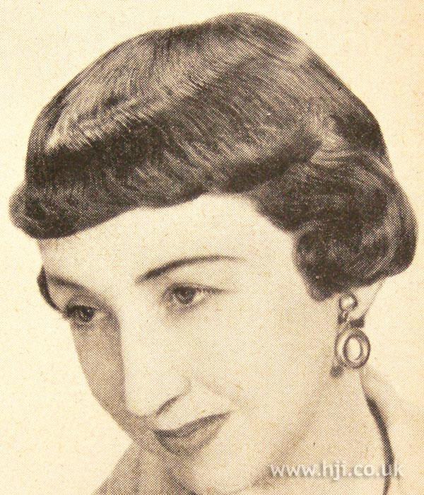 1950 fringe short hairstyle