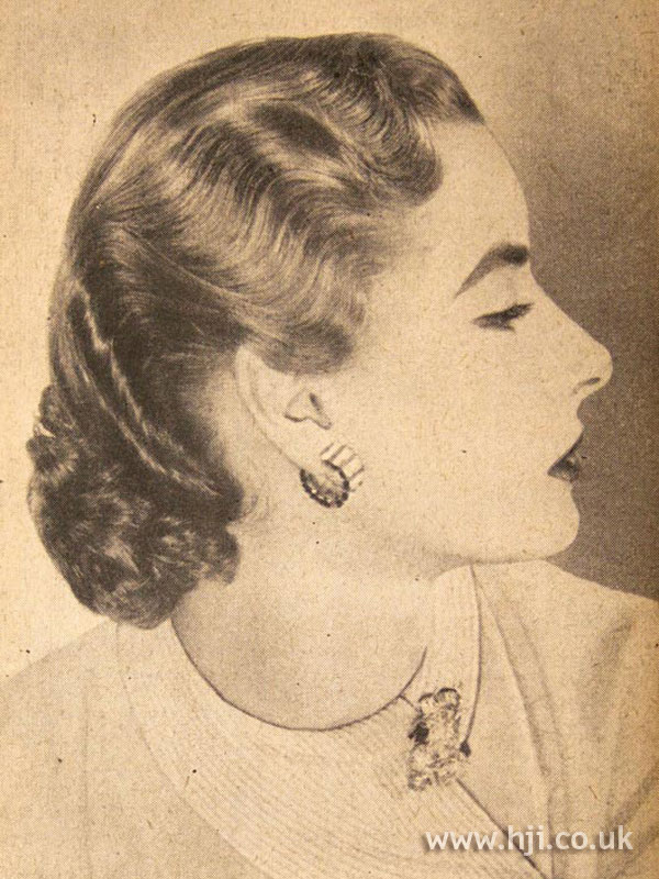 1950 mid length waves hairstyle