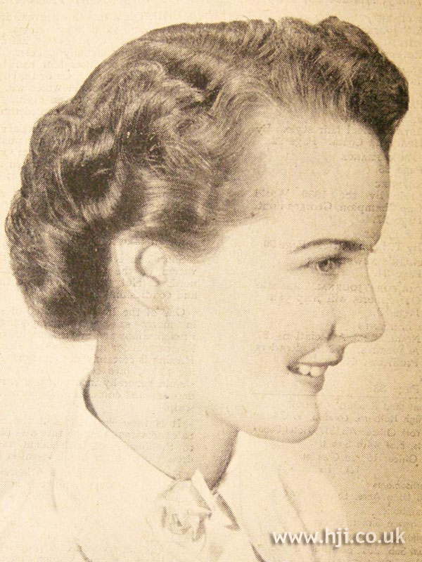 1950 short curls hairstyle