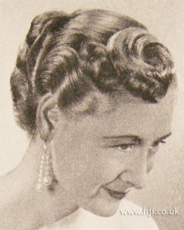 1951 brunette curl