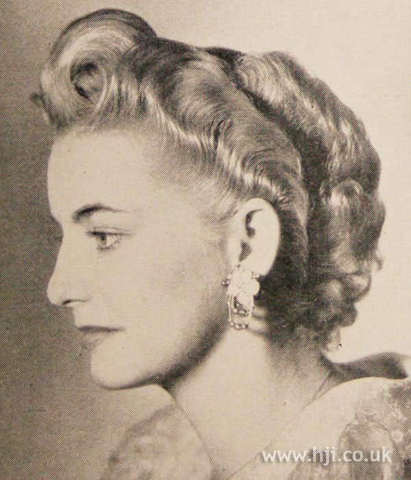 1951 curly short hairstyle