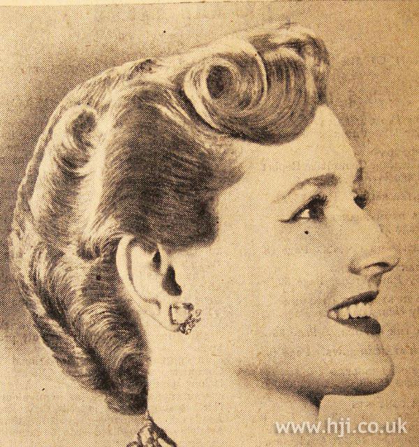 1951 glossy curls