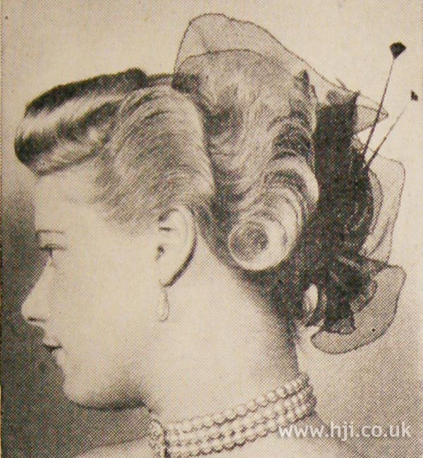 1951 wavy hairstyle with quiff