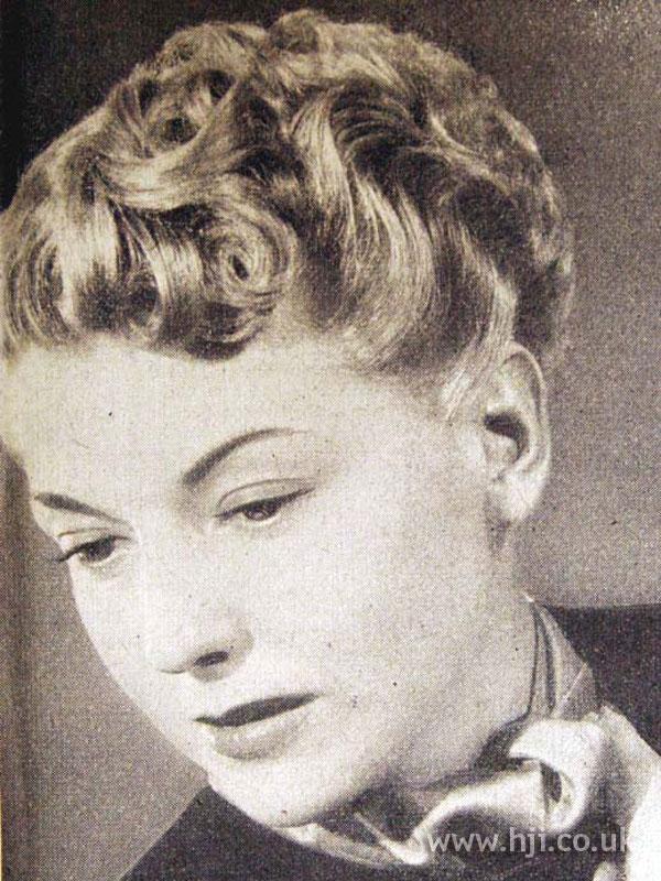 1953 wavy crop hairstyle