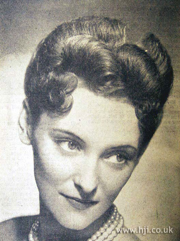 1953 curls brunette