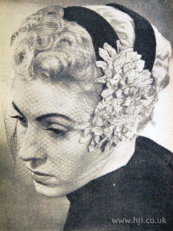 1953 curls veil