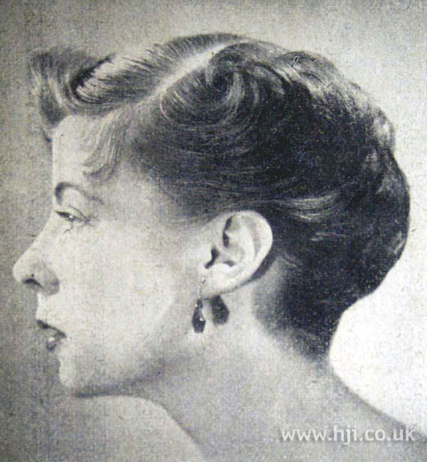 1953 wavy chignon