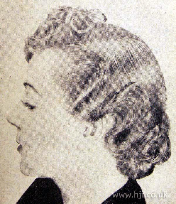 1953 short wavy hairstyle
