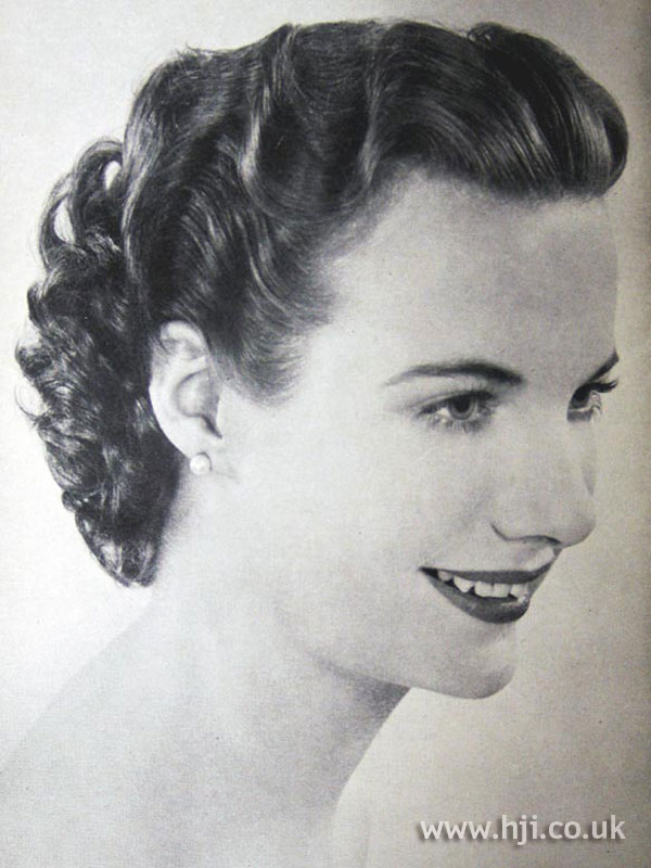 1954 brunette waves hairstyle