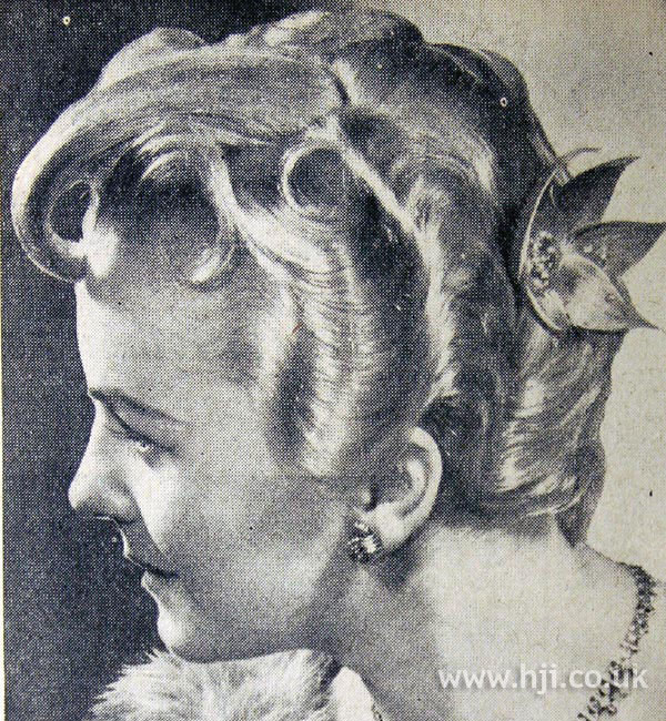 1954 short waved hairstyle