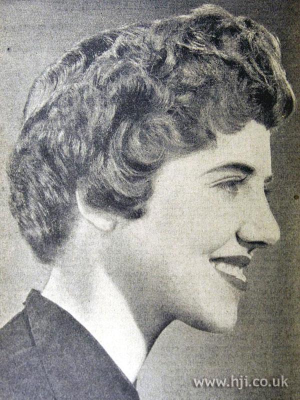 1954 short wavy hairstyle