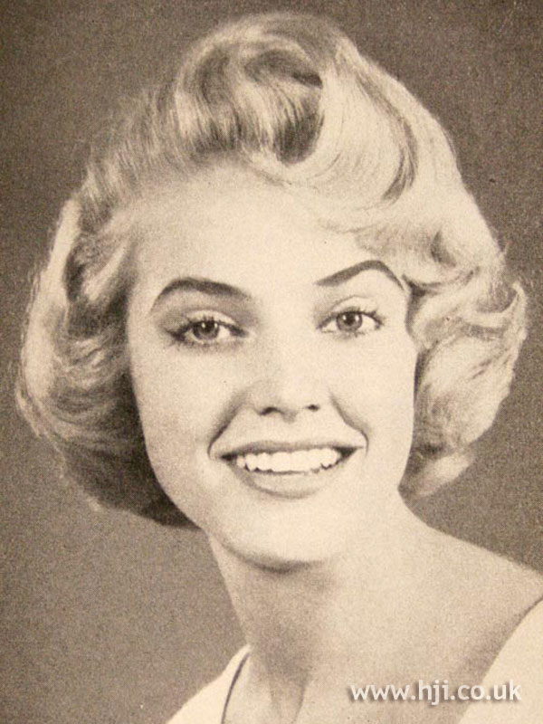 1957 blonde bob hairstyle