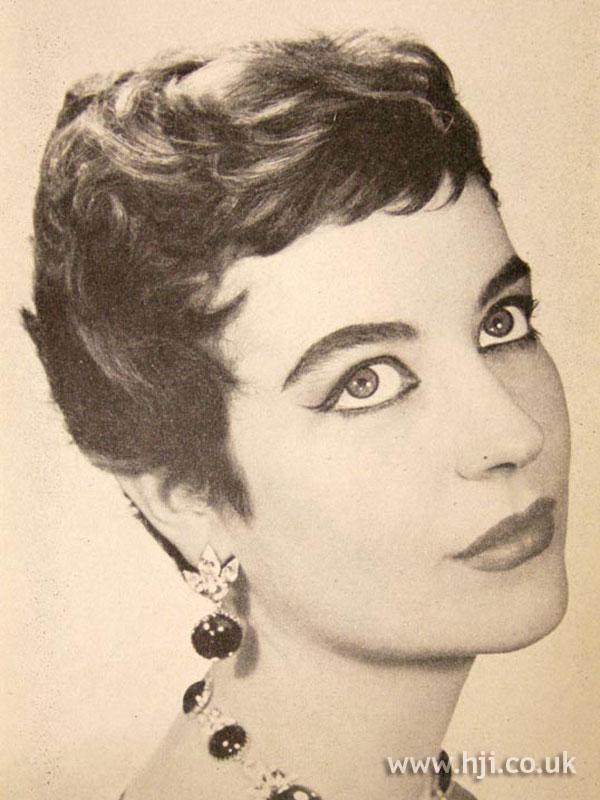 1957 brunette textured crop