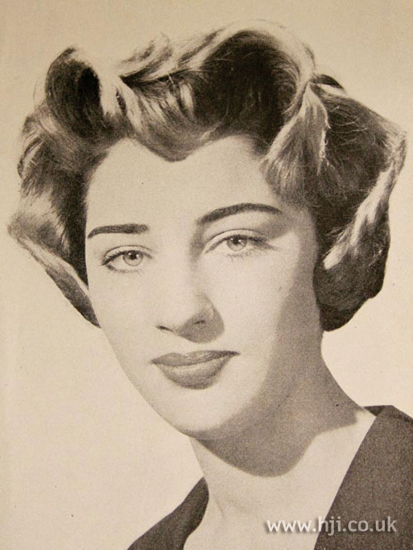 1957 wavy bob hairstyle