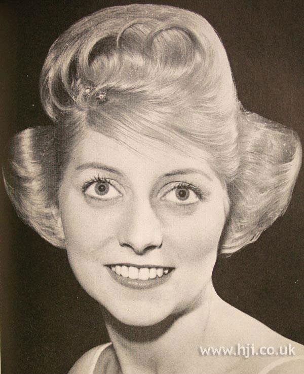 1961 blonde width