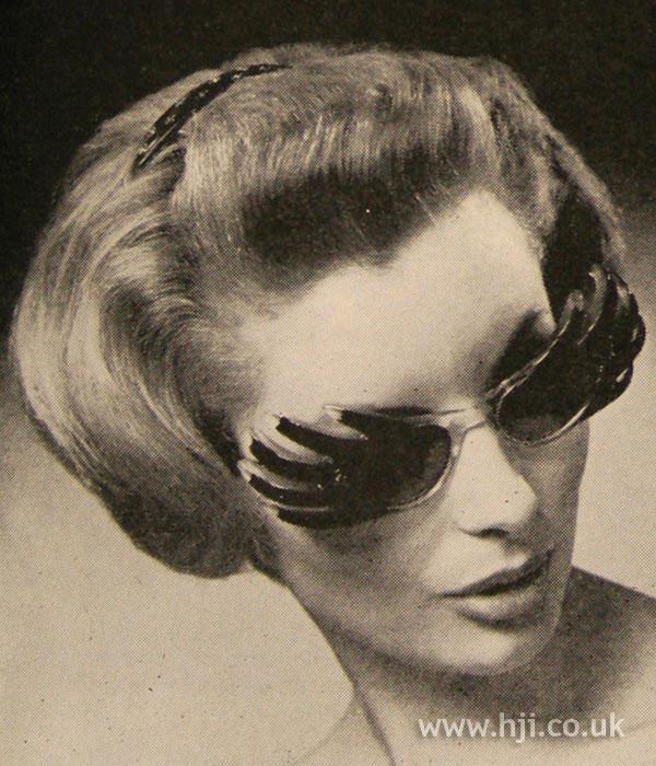 1961 glasses bob