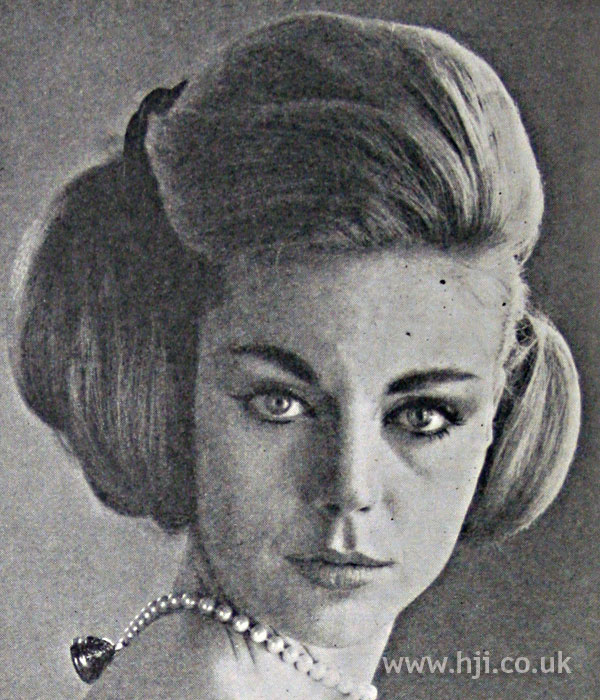 1962 asymmetric bunches