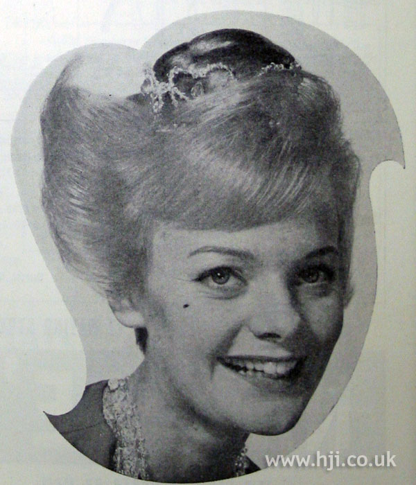 1962 blonde accessory