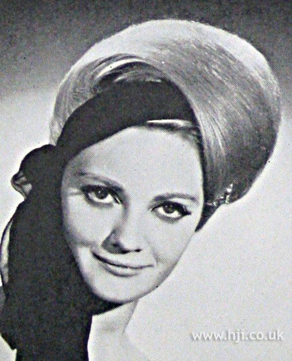 1962 sleek waved hairstyle