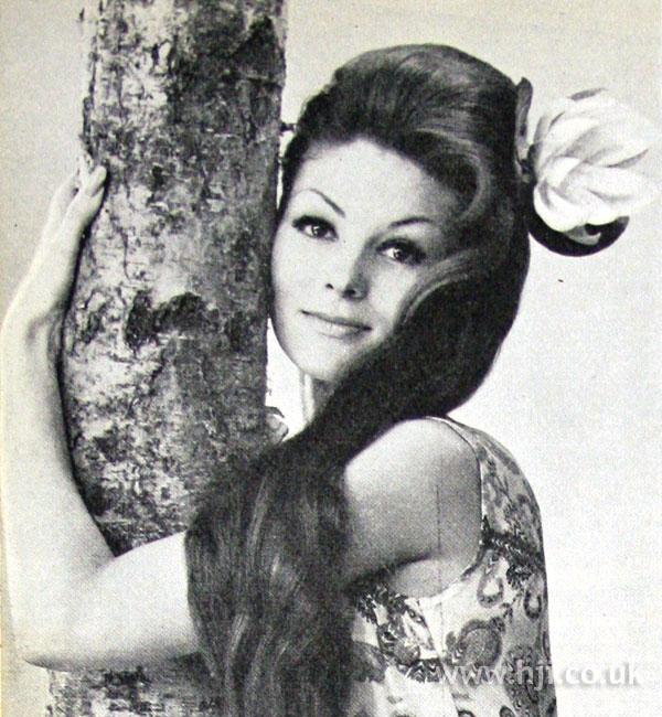 1962 long brunette