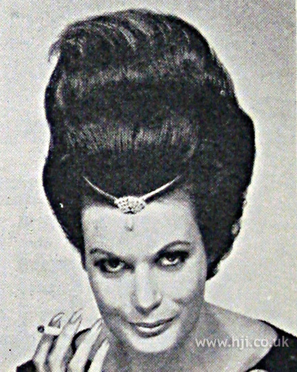 1962 tall brunette1