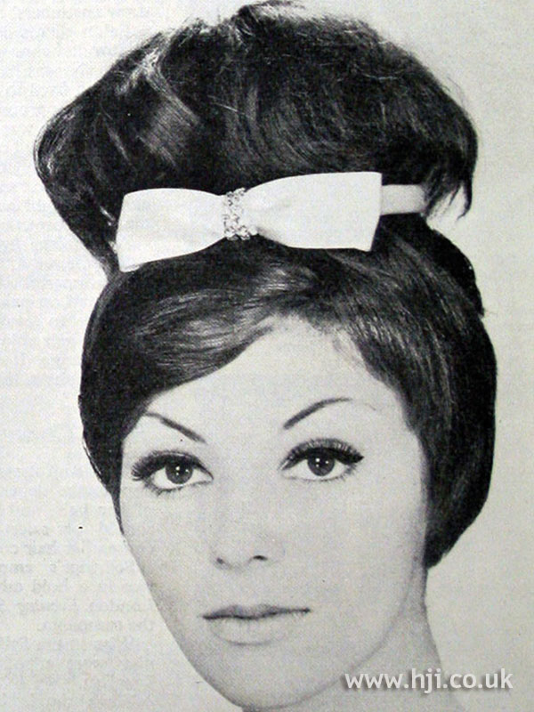 1962 updo bow hairstyle