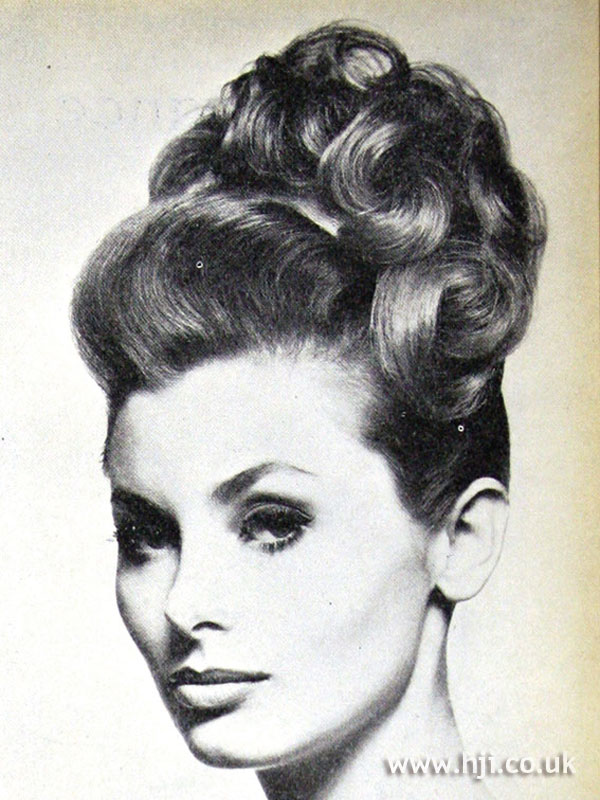 1962 updo curls hairstyle