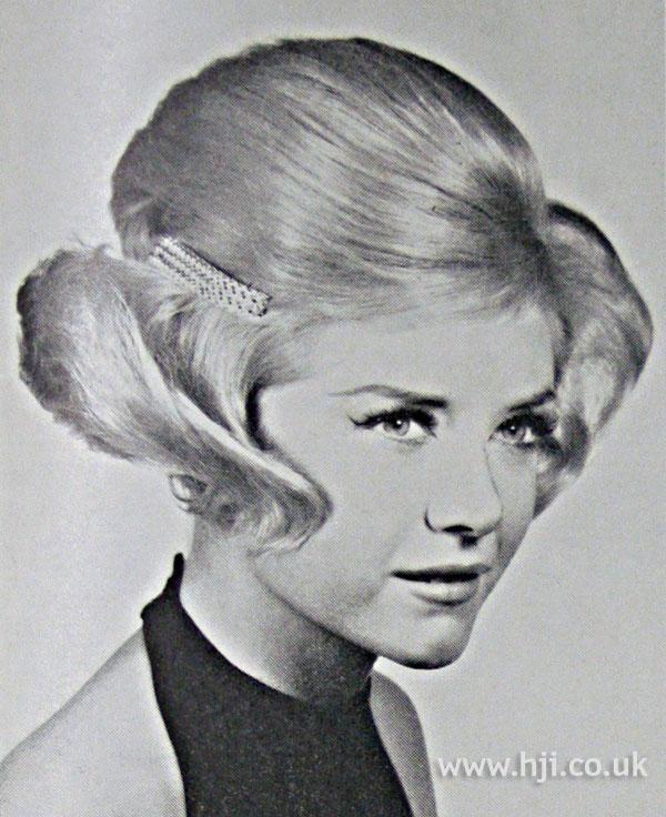 1962 sleek bouffant