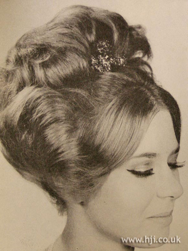 1963 parting updo