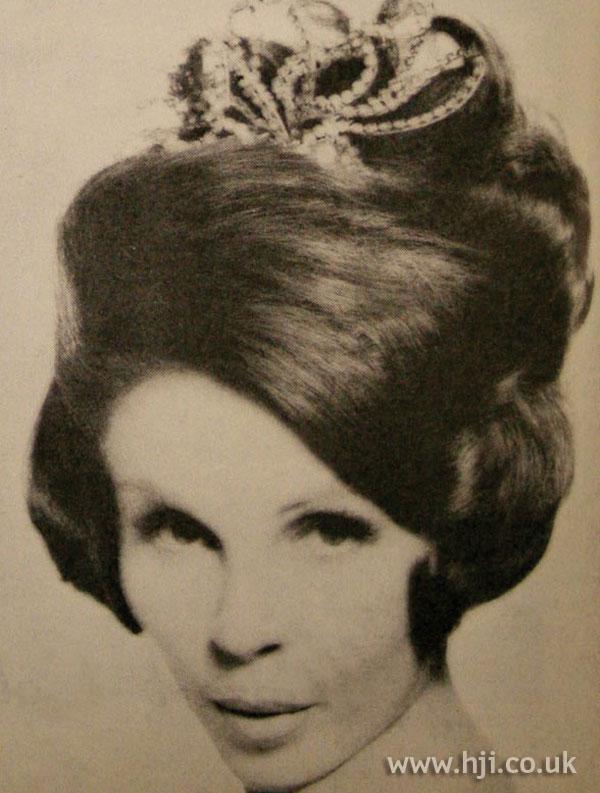 1963 waves tiara