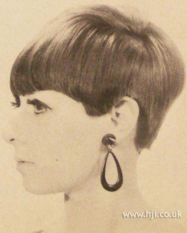 1966 brunette short