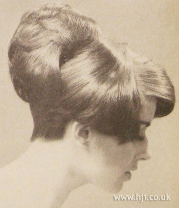 1966 brunette side