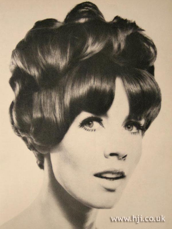 1966 brunette updo1