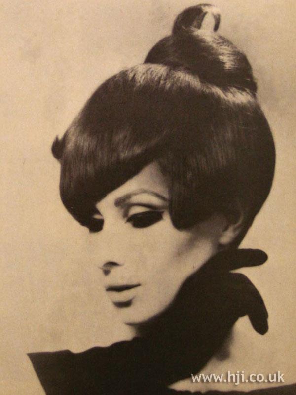 1966 brunette updo2