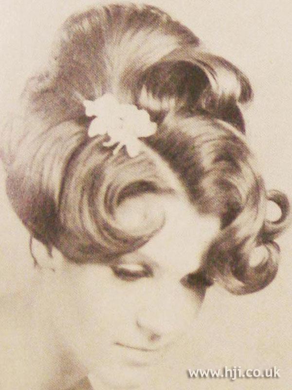1966 flowers waves