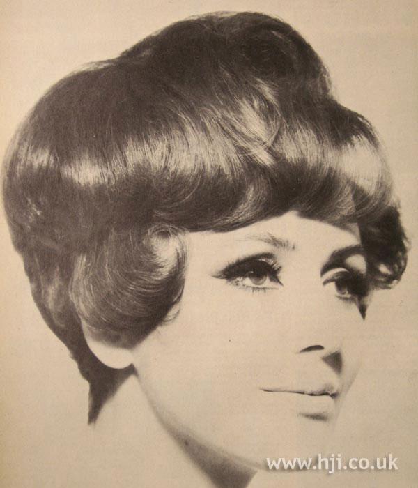 1966 gloss bob