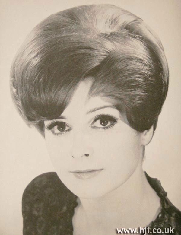1966 round volume