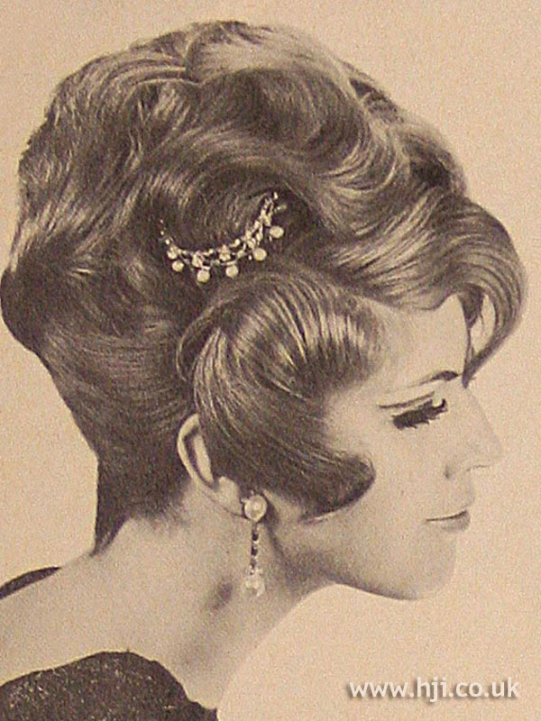1966 waves updo