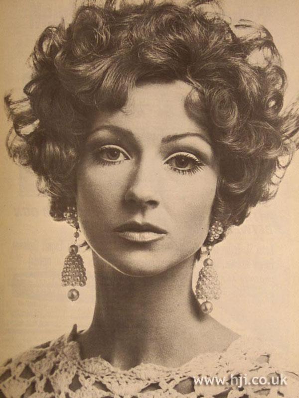 1967 brunette curls2
