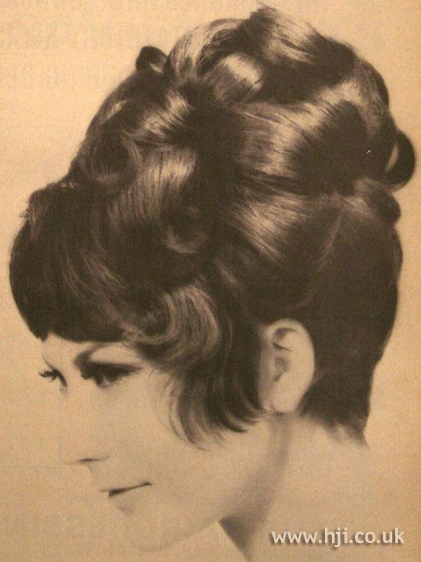 1967 brunette updo1