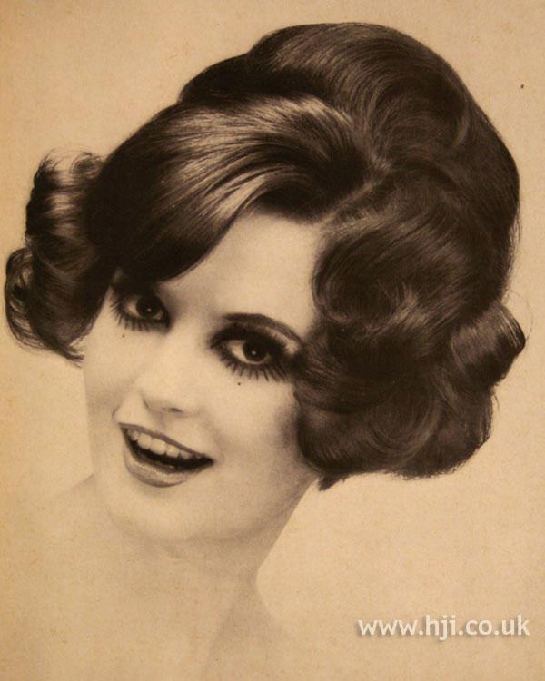 1967 brunette waves1