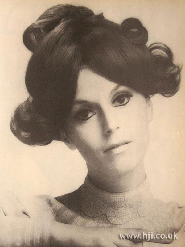 1967 brunette width