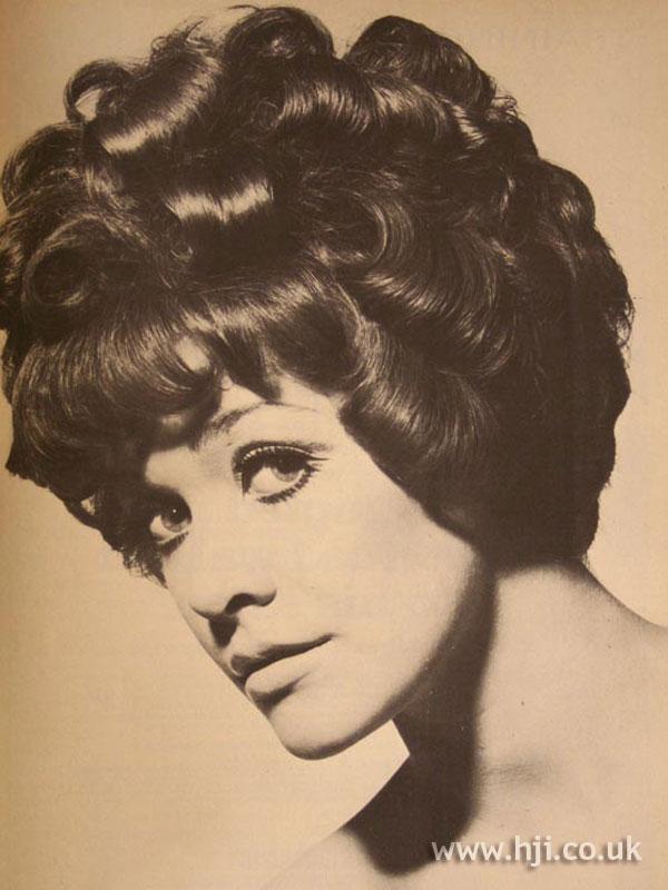 1967 curls brunette