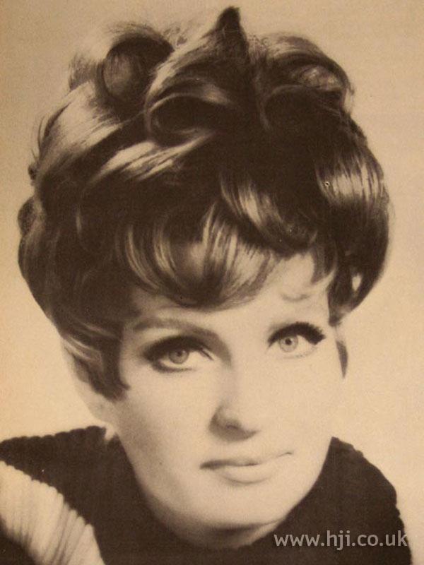 1967 updo brunette1