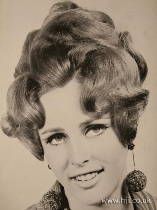 1967 updo waves