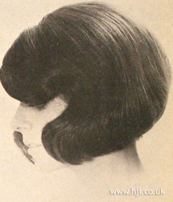 1968 smooth bob hairstyle