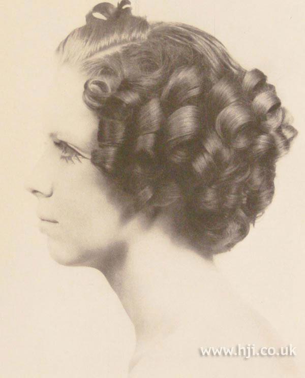 1968 brunette ringlets