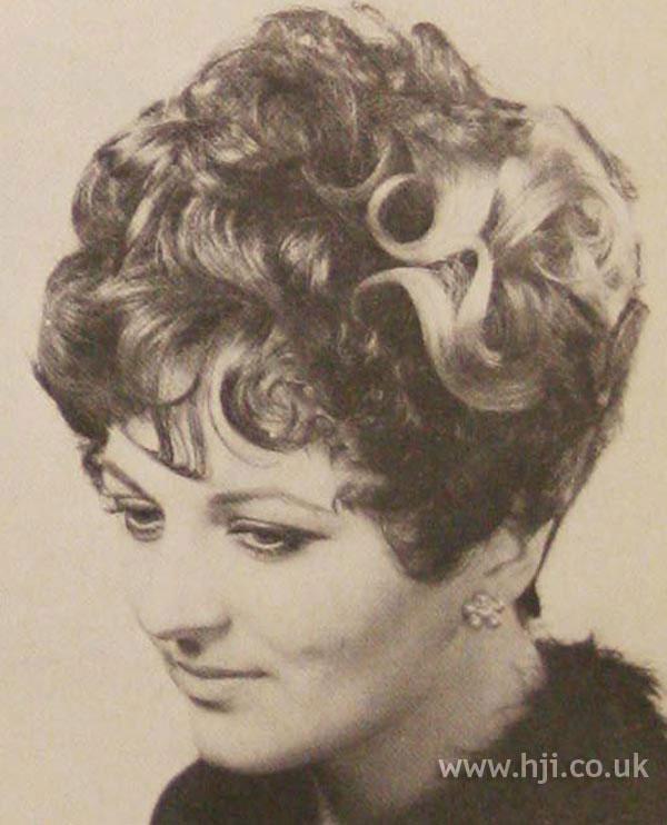 1968 brunette waves1