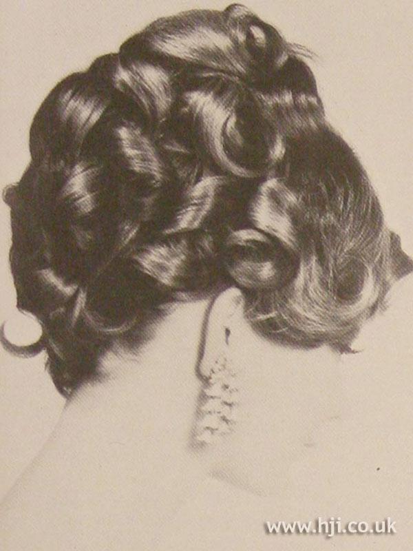 1968 curls brunette