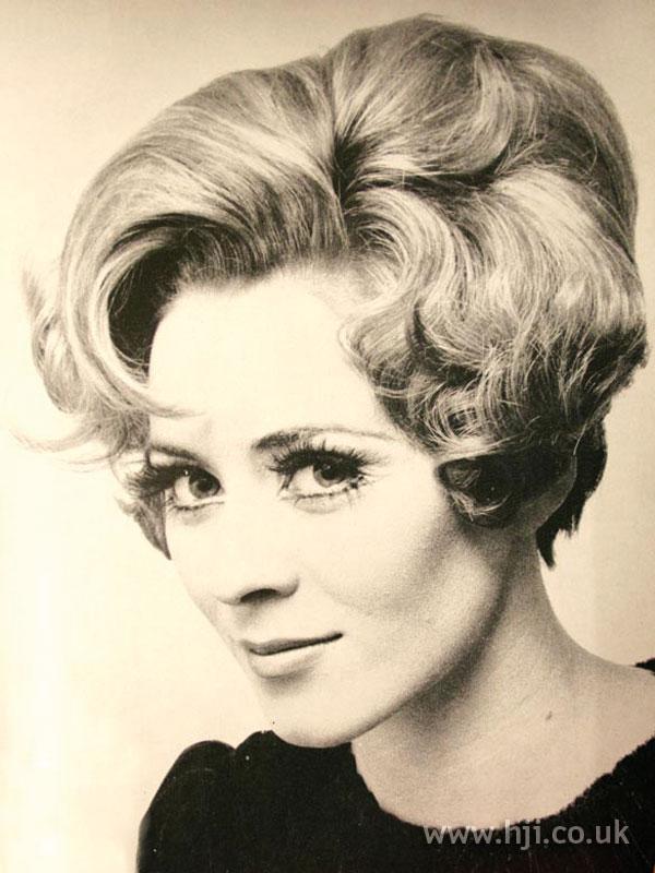 1968 short wavy bouffant bob